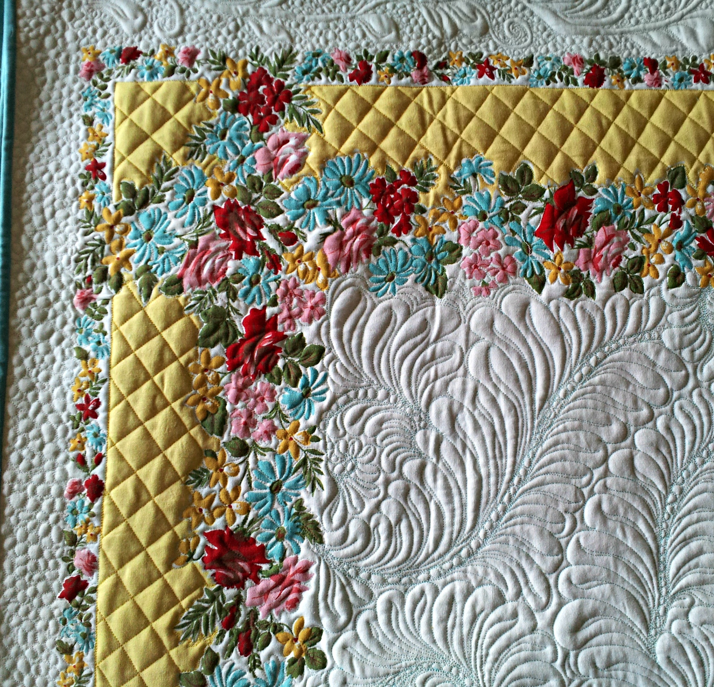 Good Vintage Tablecloth I Free Handed With Long Armed Quilt. I Entered This In  The Coshocton